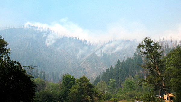 Labrador Fire on the Wild and Scenic Illinois River. Taken from Oak Flat