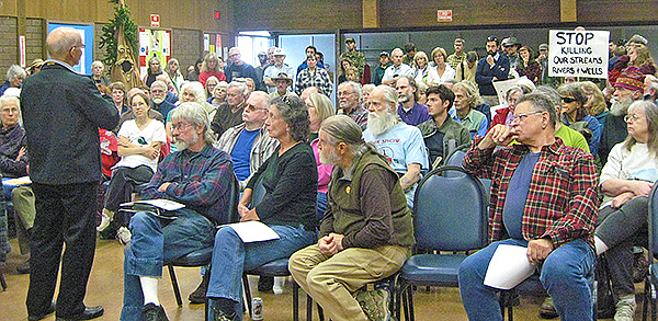 Peter DeFazio's September 24th town hall meeting in Southwest Oregon's Illinois River Valley. Photo Annette McGee Rasch.