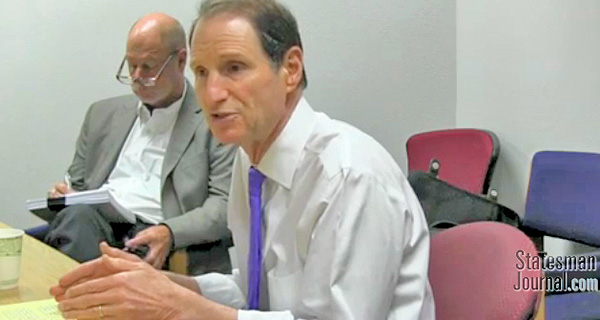 Senator Ron Wyden at the Salem Statesman Journal